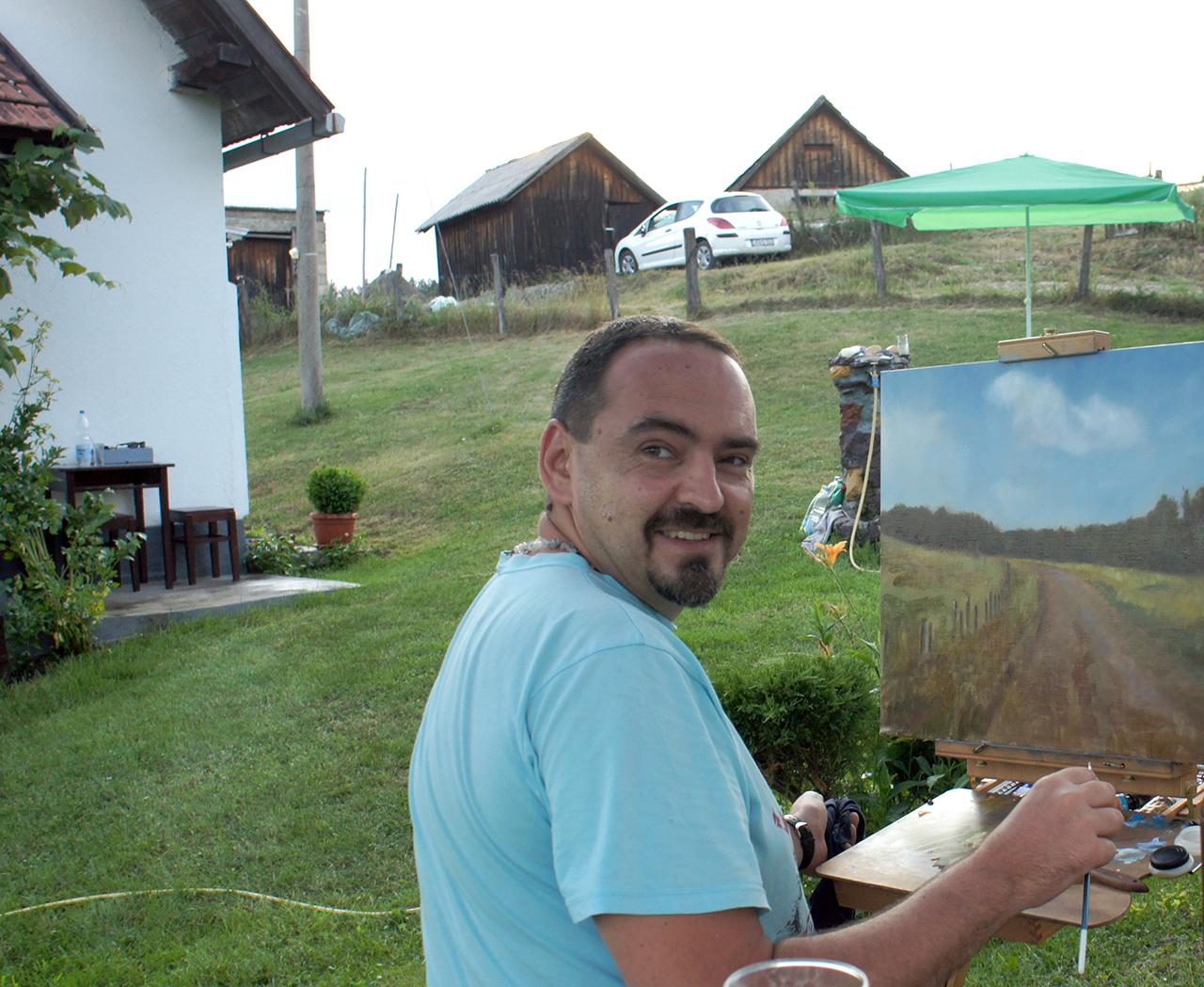 Umetnik Darko Topalski u Kremnima na Slikarskoj Koloniji